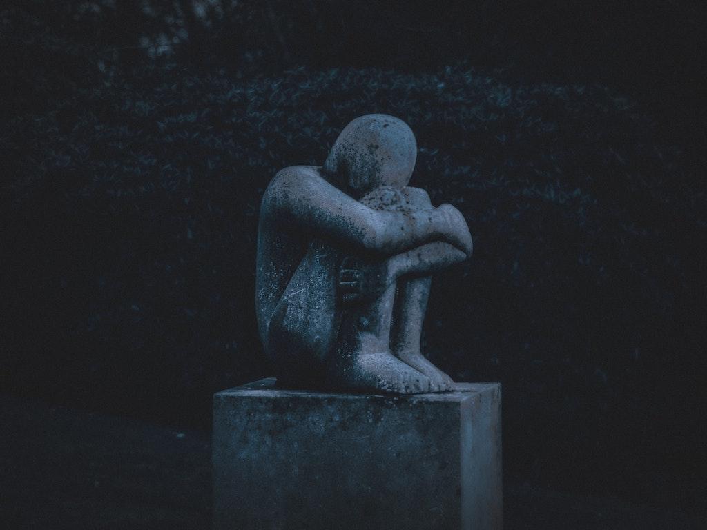 loss statue